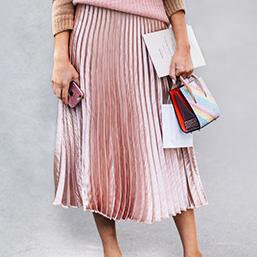 <div>Plisowana spódnica</div><div>Jak ją nosić wiosną?</div>