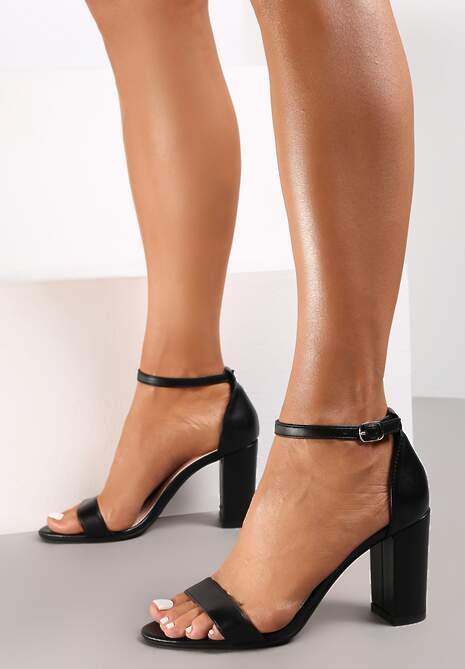 Czarne Sandały Bargaining