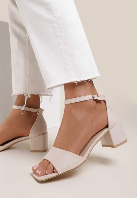 Beżowe Sandały Adrasura