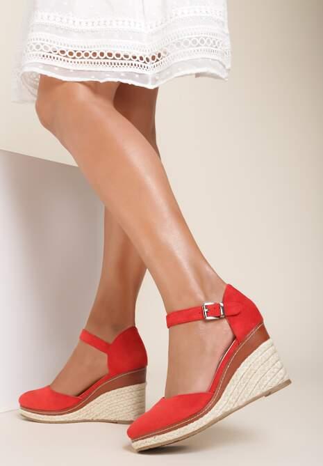 Czerwone Sandały Drenania