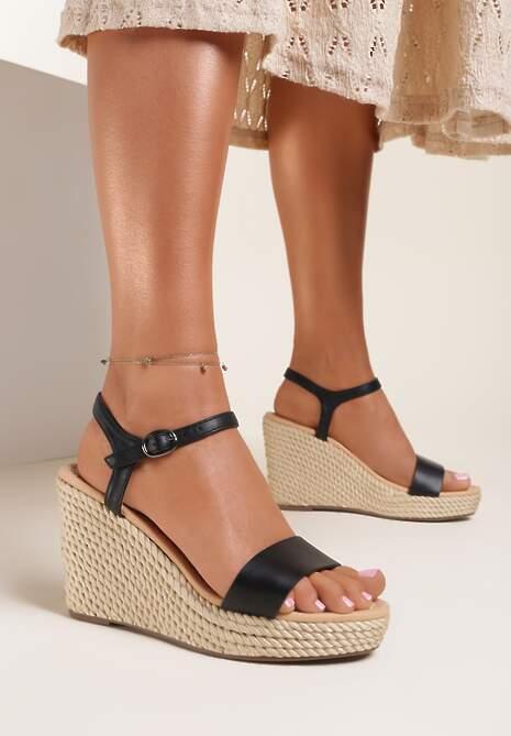 Czarne Sandały Corderenna