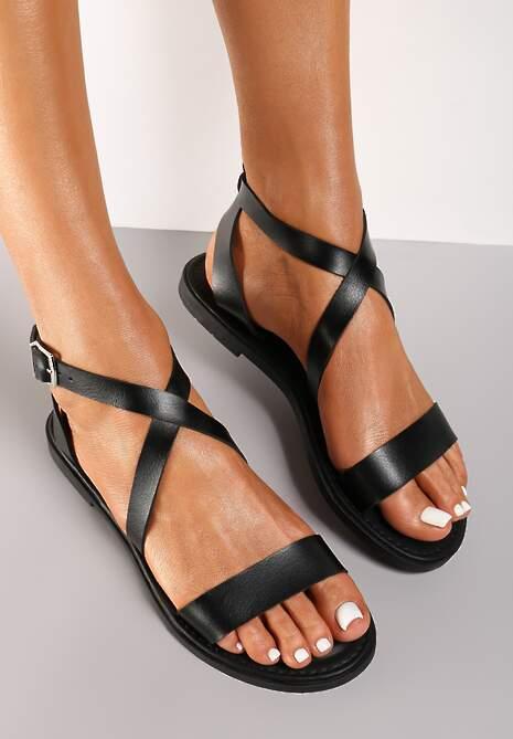 Czarne Sandały Aelanthei