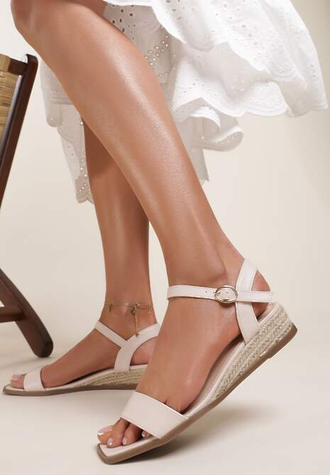 Beżowe Sandały Daphnice