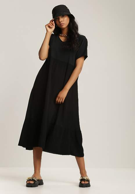 Czarna Sukienka Xallan