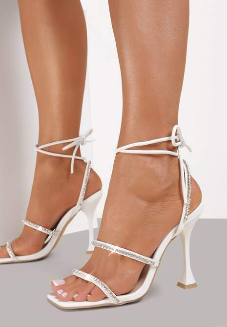Białe Sandały Daphiphine