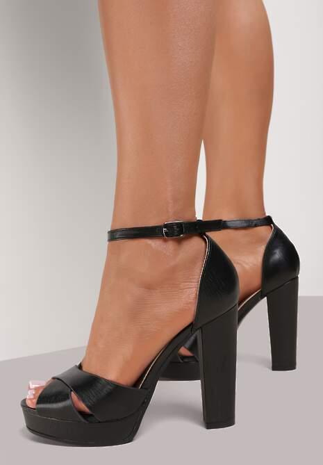 Czarne Sandały Aerihaneh