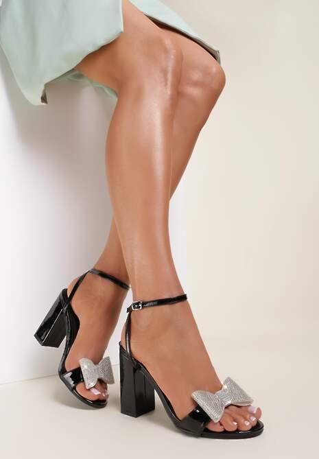 Czarne Sandały Aelina