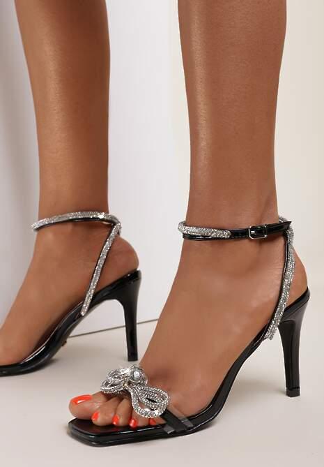 Czarne Sandały Vialea