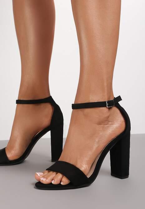 Czarne Sandały Shuwahi