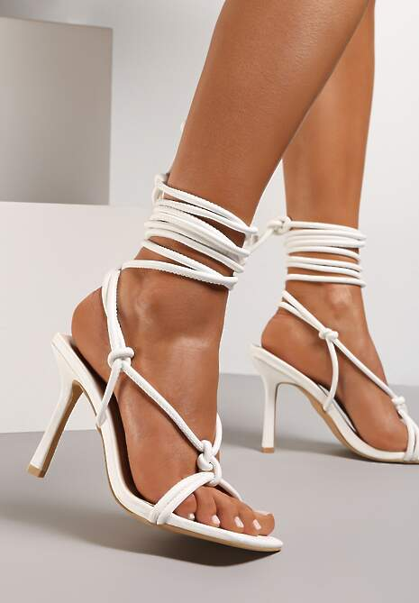 Białe Sandały Blesse