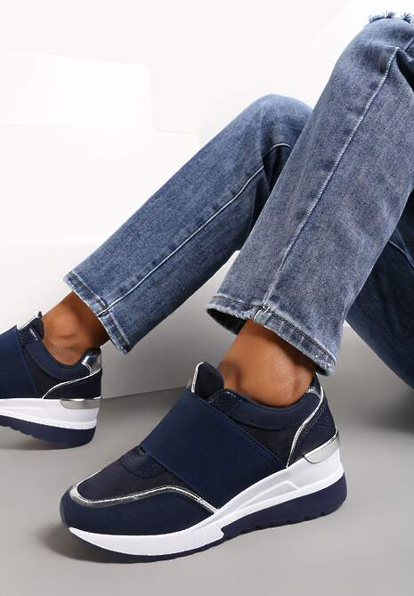 Granatowe Sneakersy Akhazriel