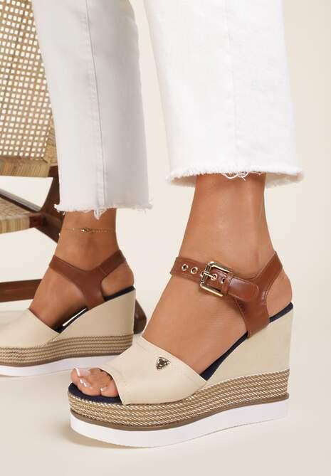 Beżowe Sandały Nesophia