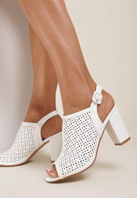 Białe Sandały Paphypso