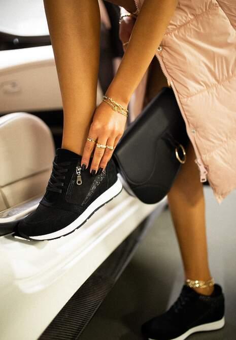Czarne Sneakersy I Surrender