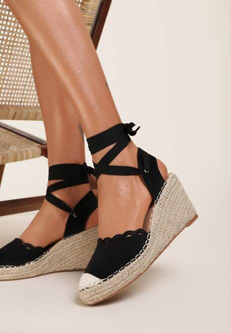 Czarne Sandały Orarinia