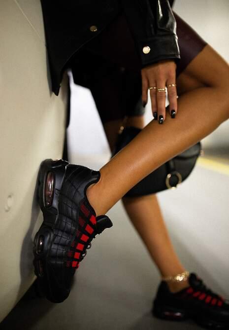 Czarno-Czerwone Sneakersy Avagune