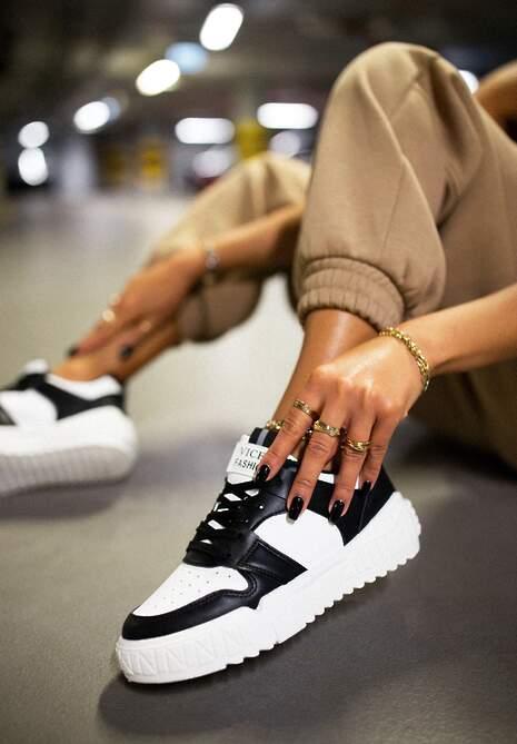 Czarno-Białe Sneakersy Phaeladia