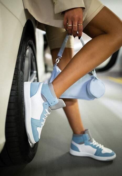 Biało-Niebieskie Sneakersy Asithera