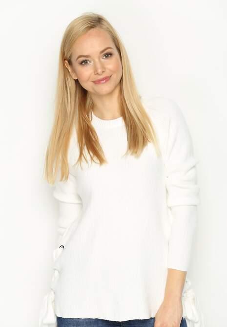 Biały Sweter Register