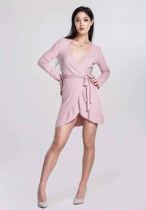 Różowa Sukienka Think Highly Of