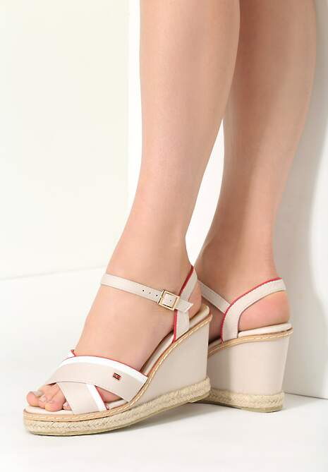 Beżowe Sandały Pirua