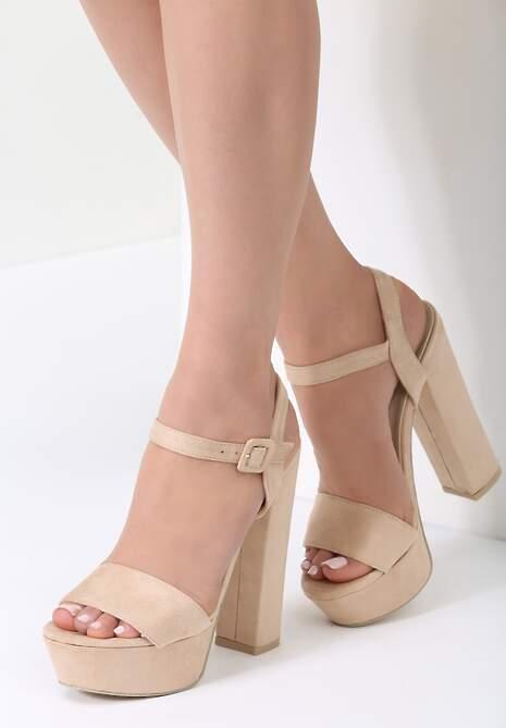Beżowe Sandały Chic Heels