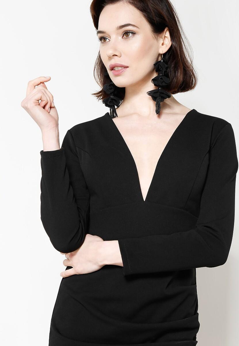 Czarna Sukienka Big V
