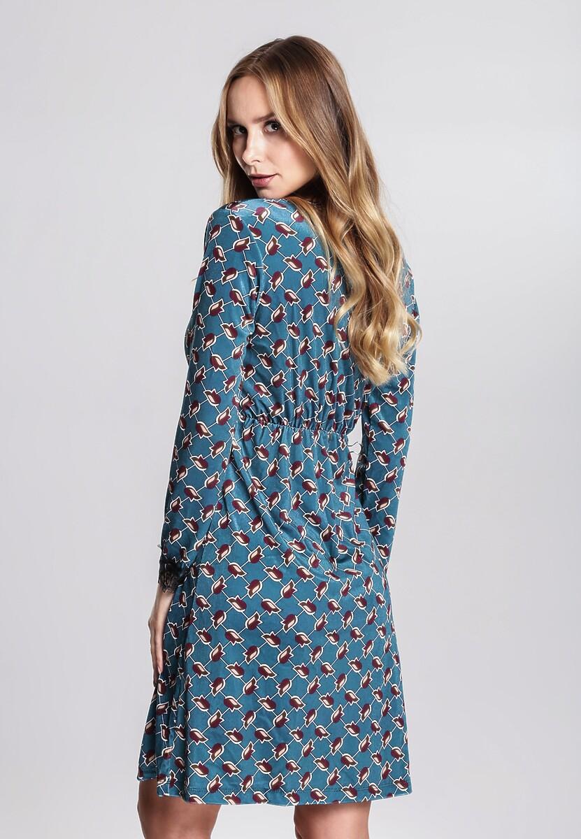 Niebieska Sukienka Contumacious