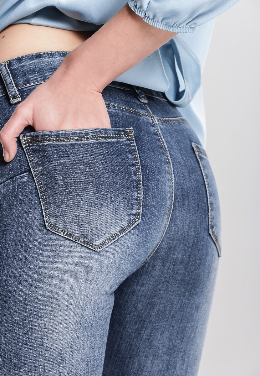 Niebieskie Jeansy Transacting
