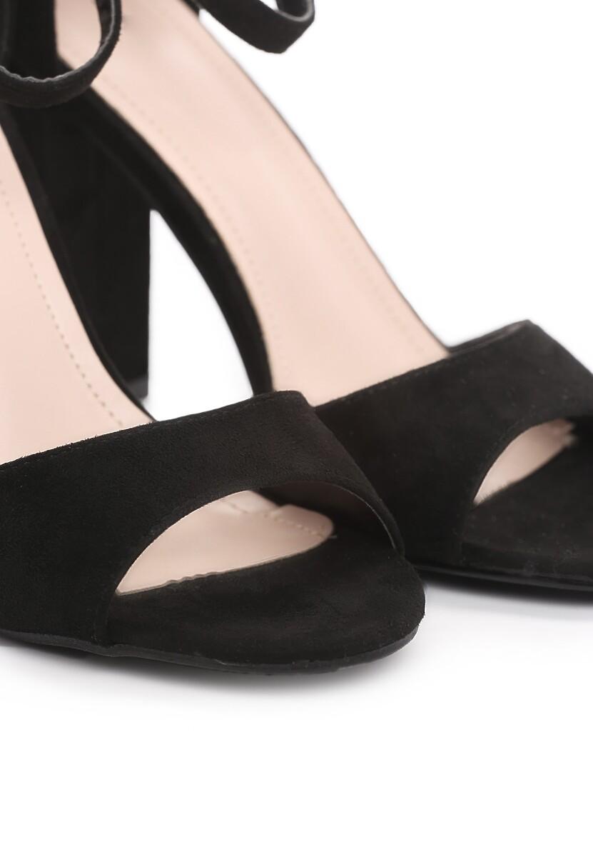 Czarne Sandały Source
