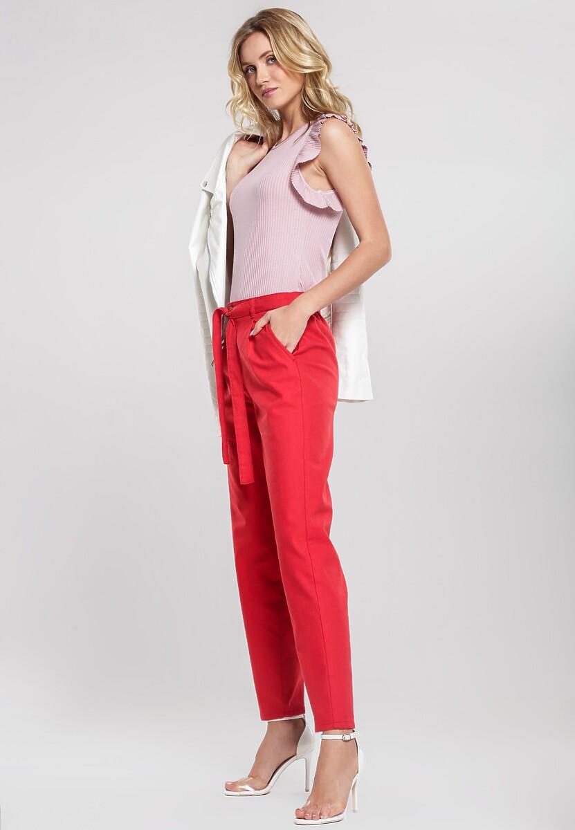 Czerwone Spodnie Thereof