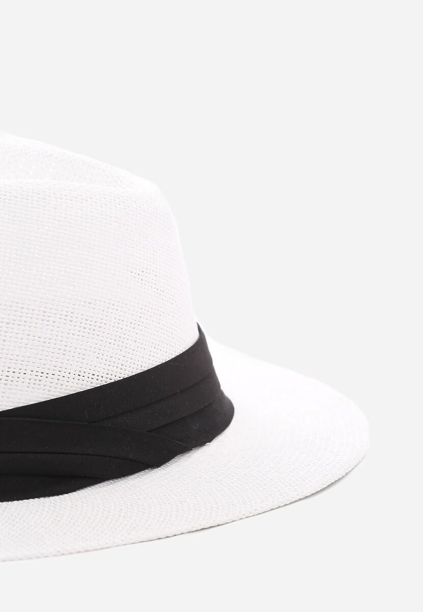 Biały Kapelusz Tipsy