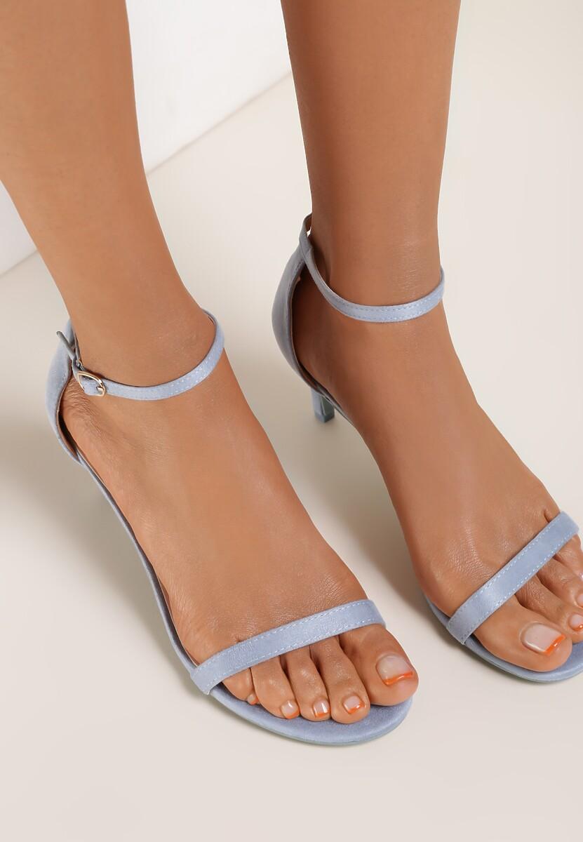 Niebieskie Sandały Prediction