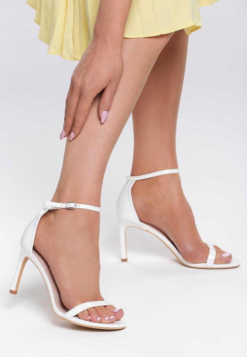 Białe Sandały Comity