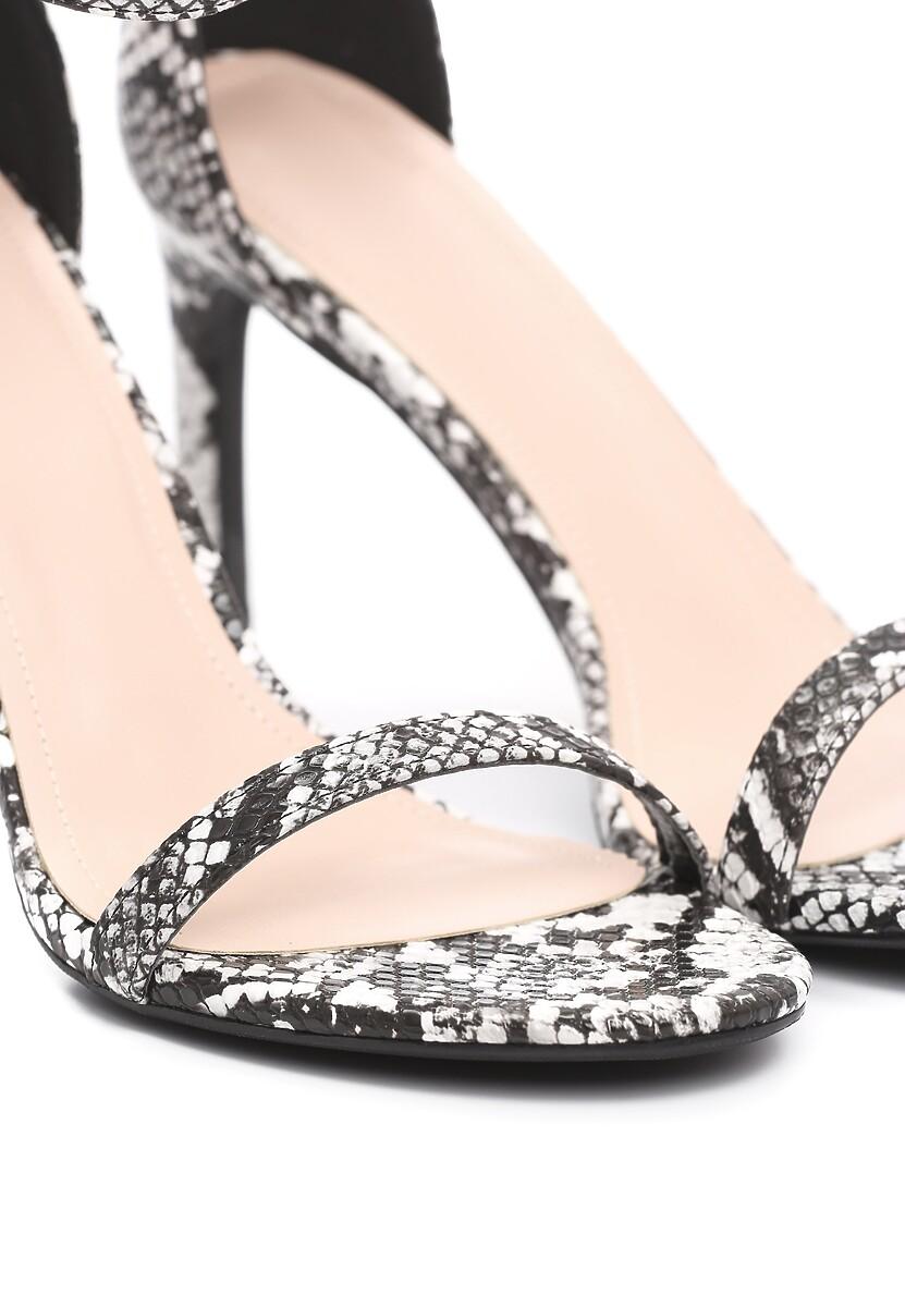 Czarne Wężowe Sandały Comity