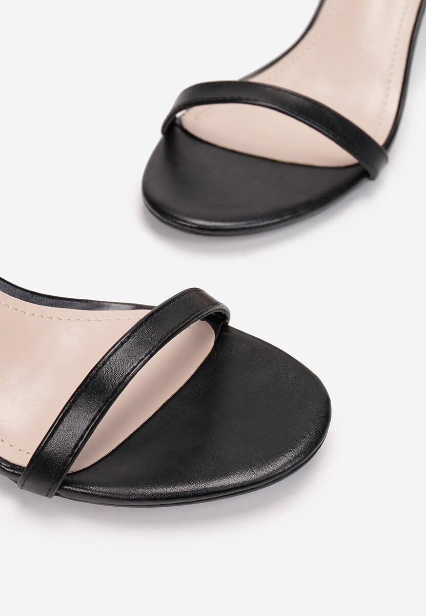 Czarne Sandały Prediction