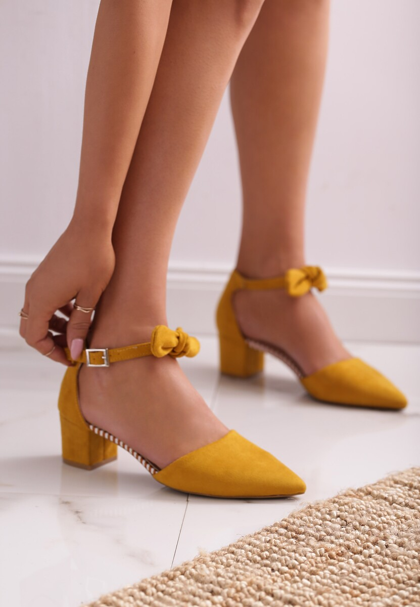Żółte Czółenka Nonliteral