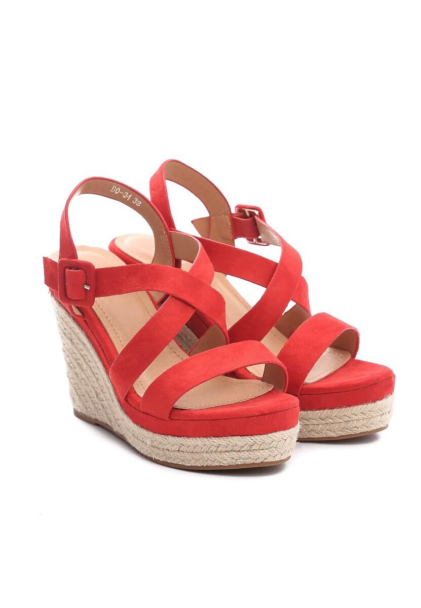 Czerwone Sandały Advocated