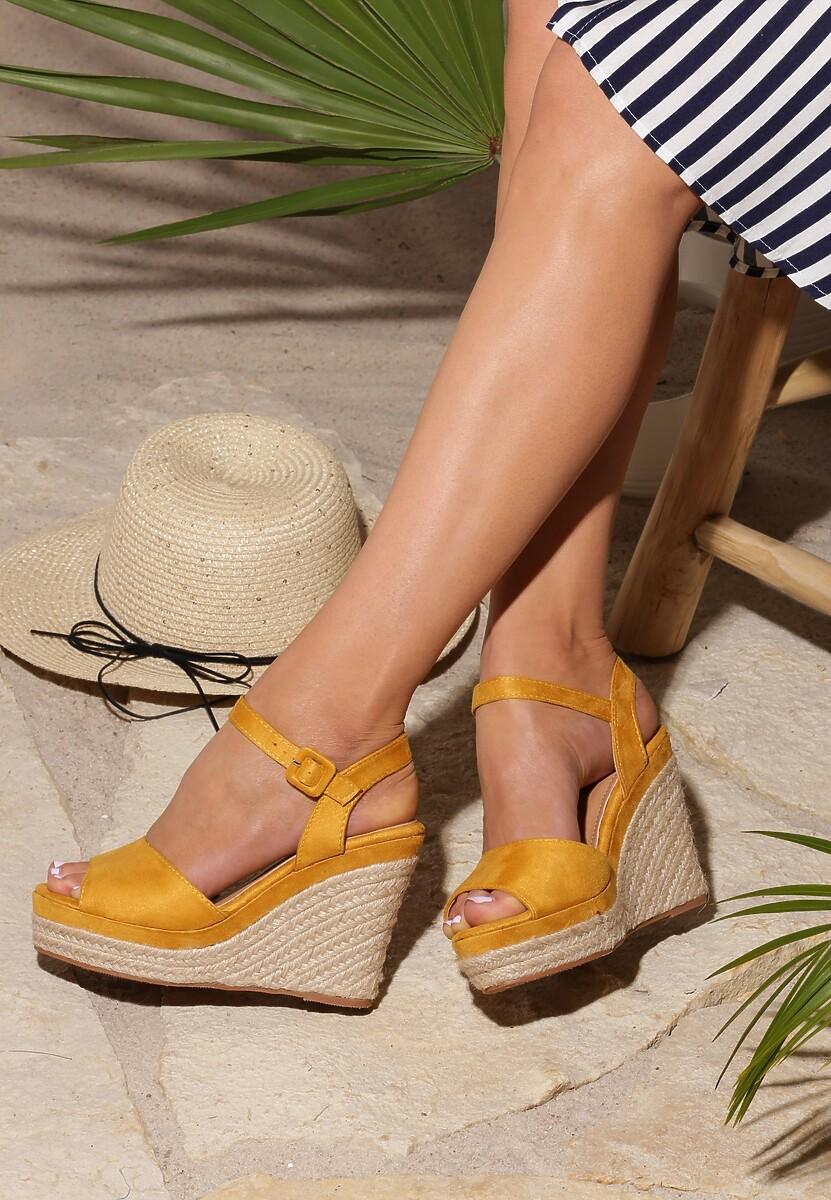 Żółte Sandały Discussion
