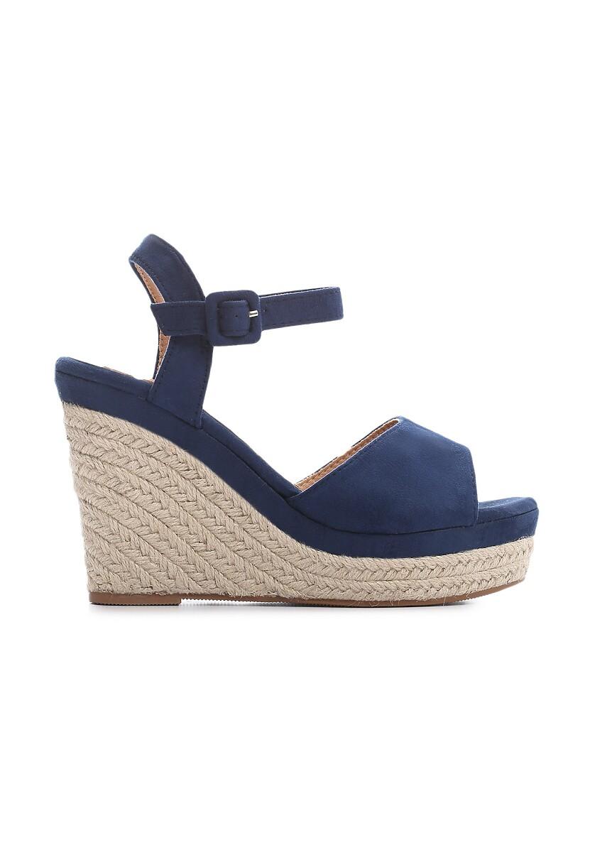 Niebieskie Sandały Discussion