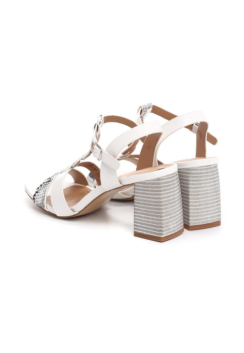Białe Sandały Bitterness