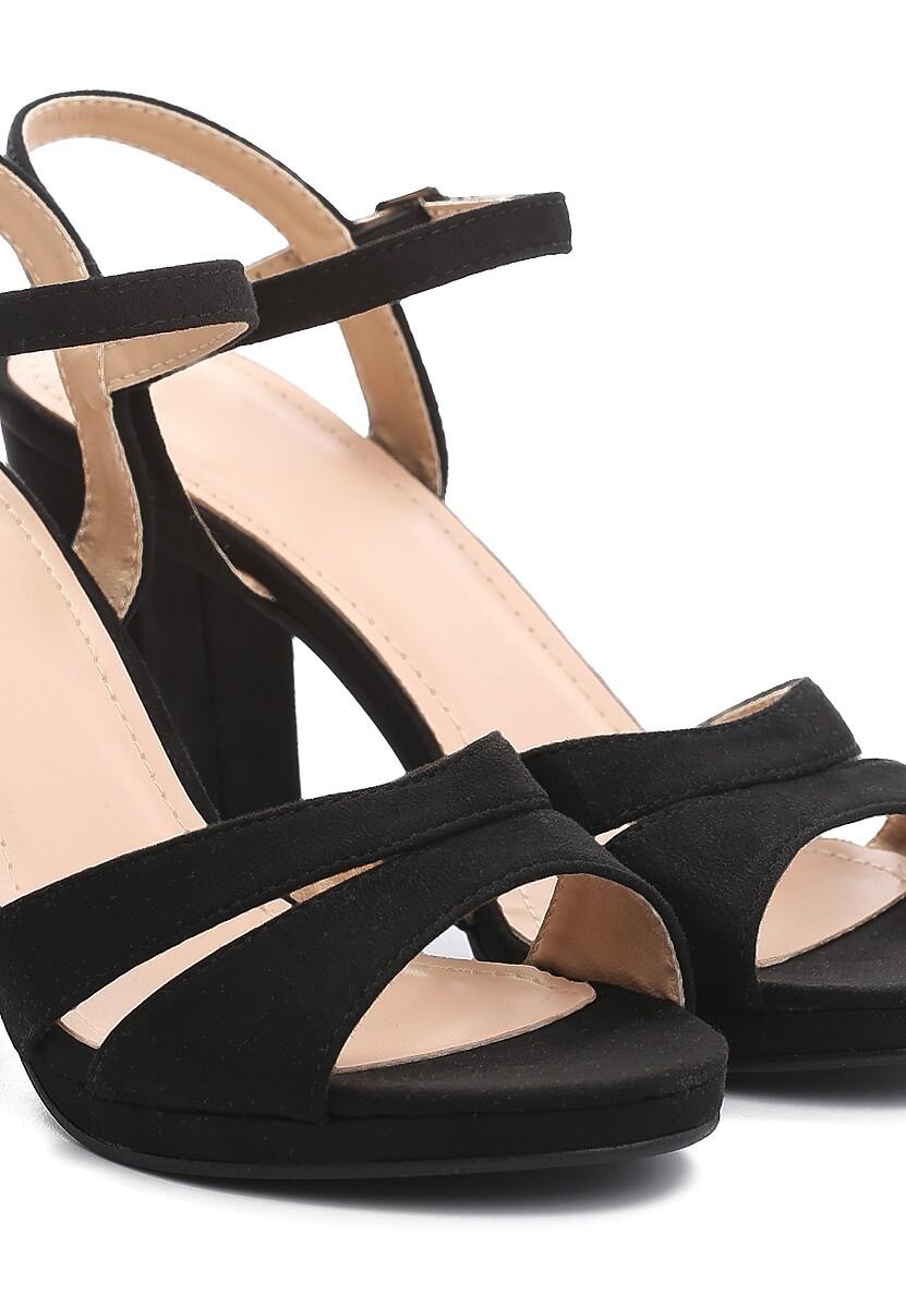 Czarne Sandały String Along With