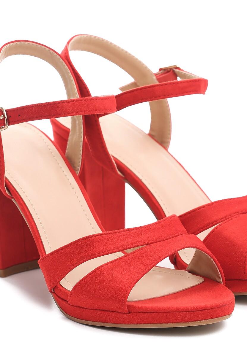Czerwone Sandały String Along With