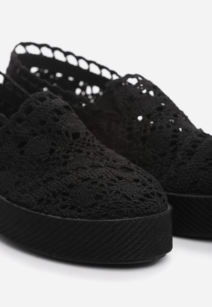 Czarne Slip On Bundt