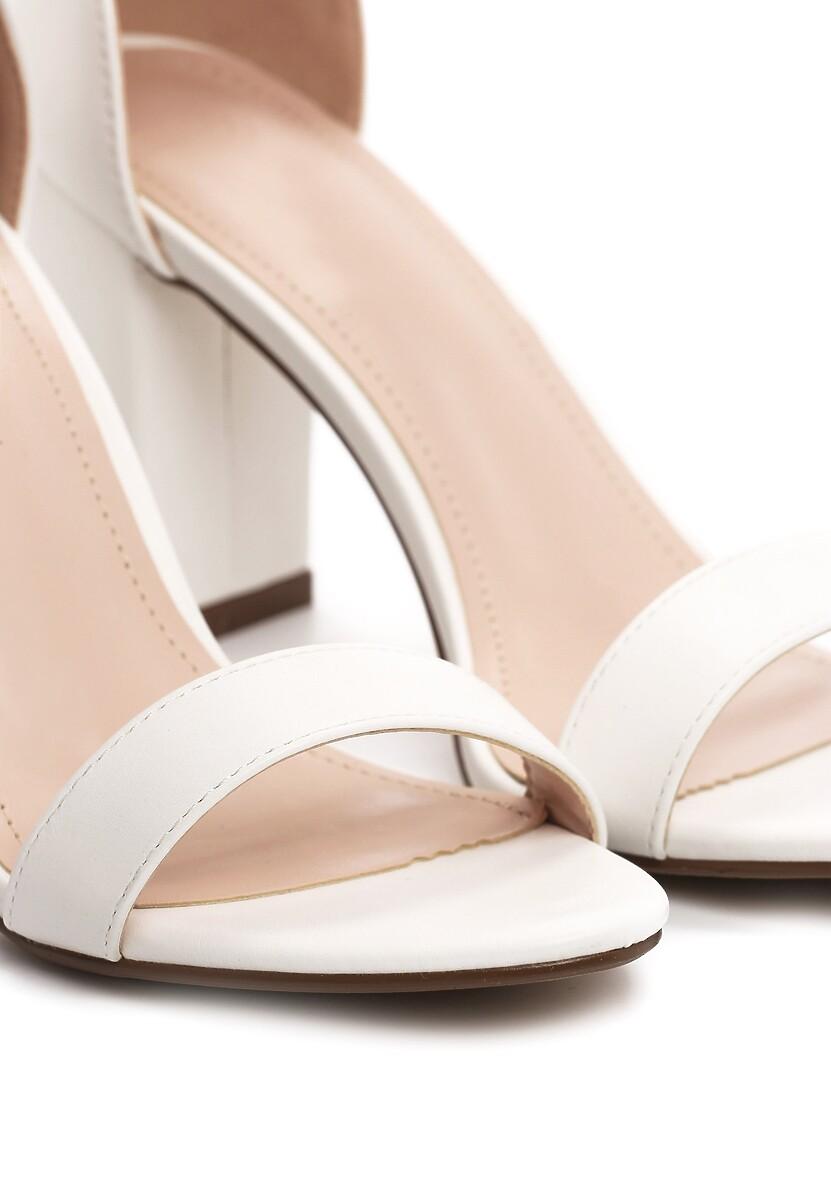 Białe Sandały Bargaining