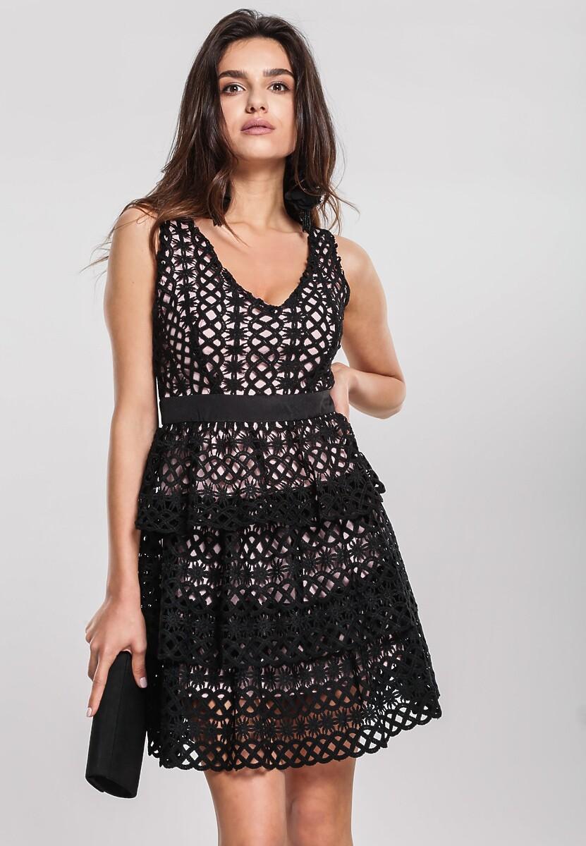 Czarna Sukienka Grinning