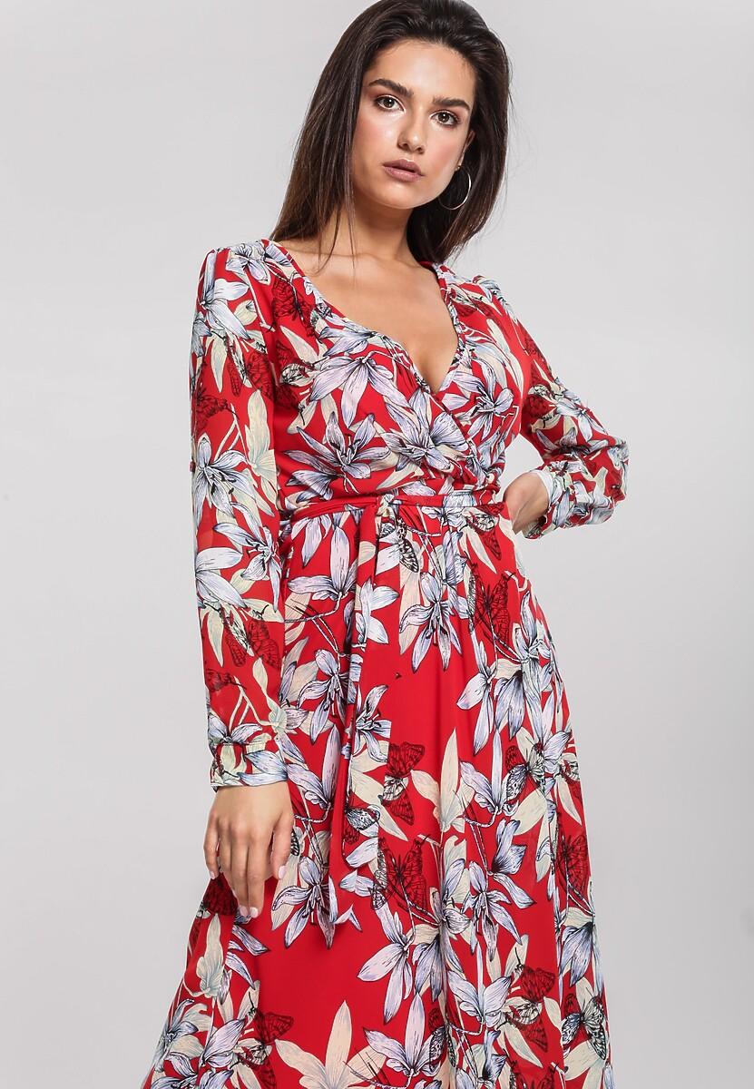 Czerwona Sukienka Beaming