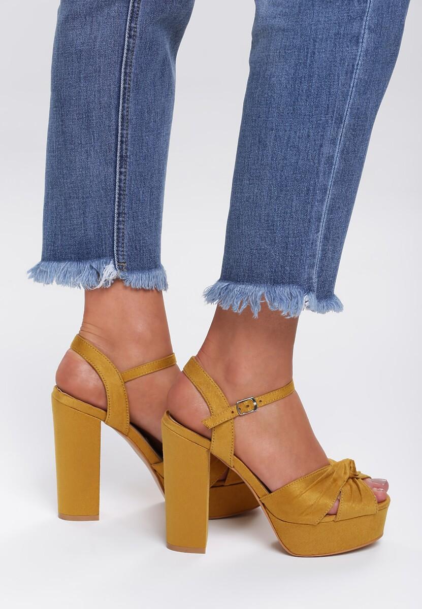 Żółte Sandały Poses