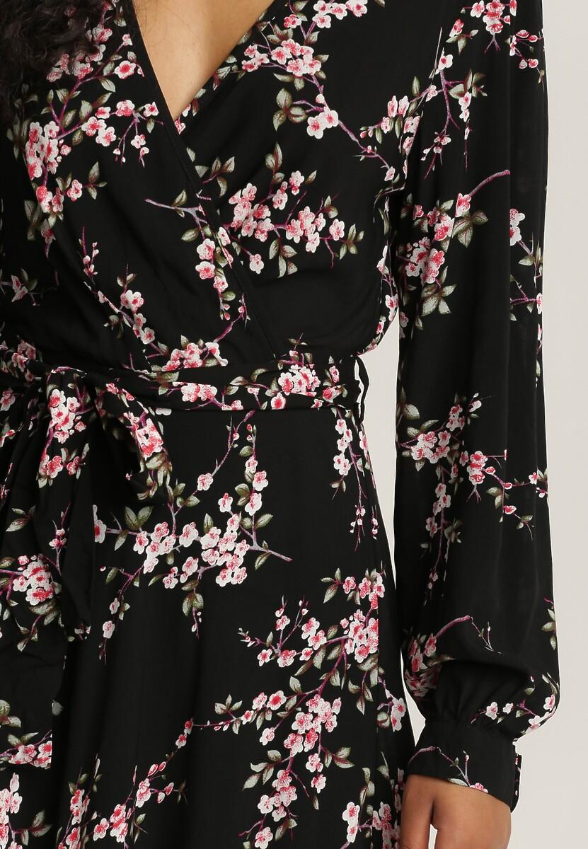 Czarna Sukienka Repleteness