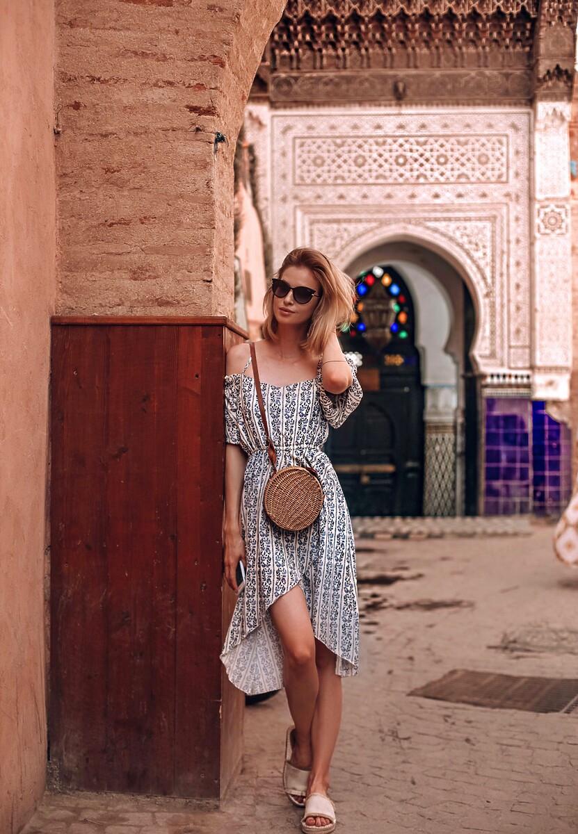 Biało-Niebieska Sukienka Very Happy